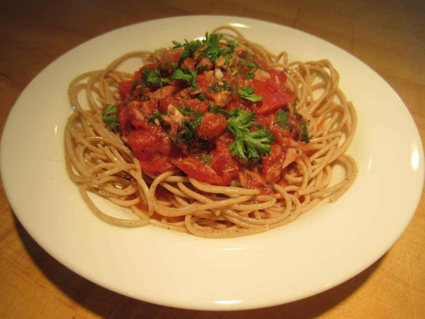 Pasta with Tuna, Tomatoes and Capers