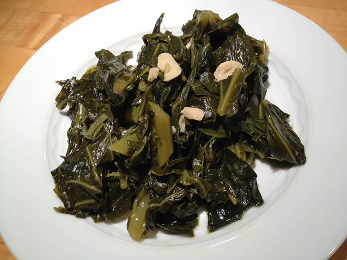 garlic braised collard greens with garlic