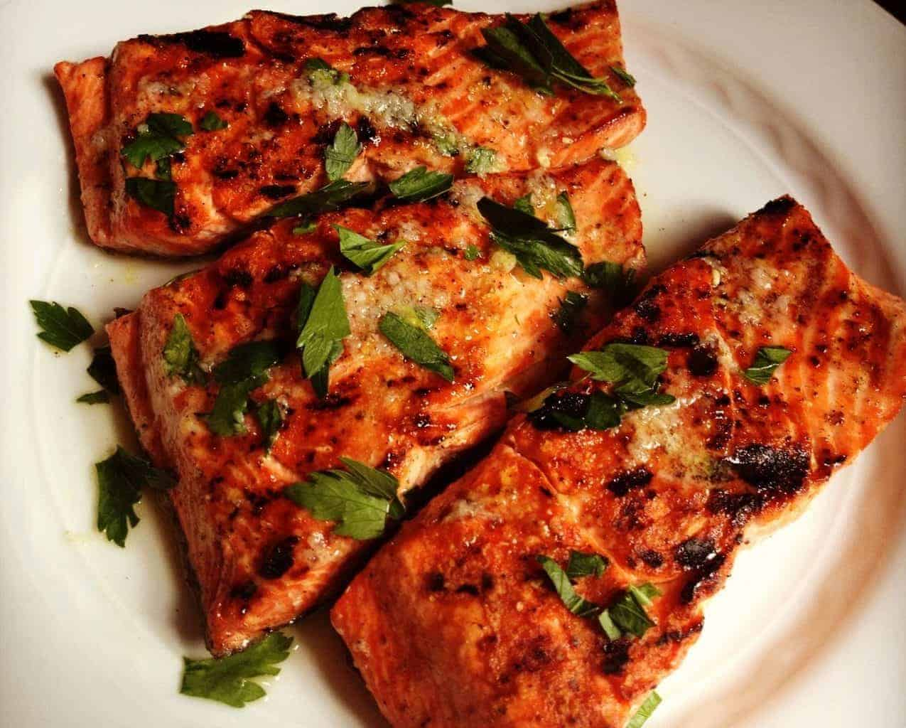 Salmon with Lemon Garlic Sauce