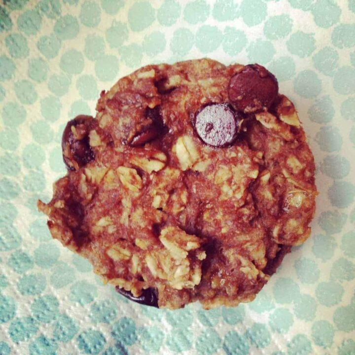 chocolate peanut butter granola muffins