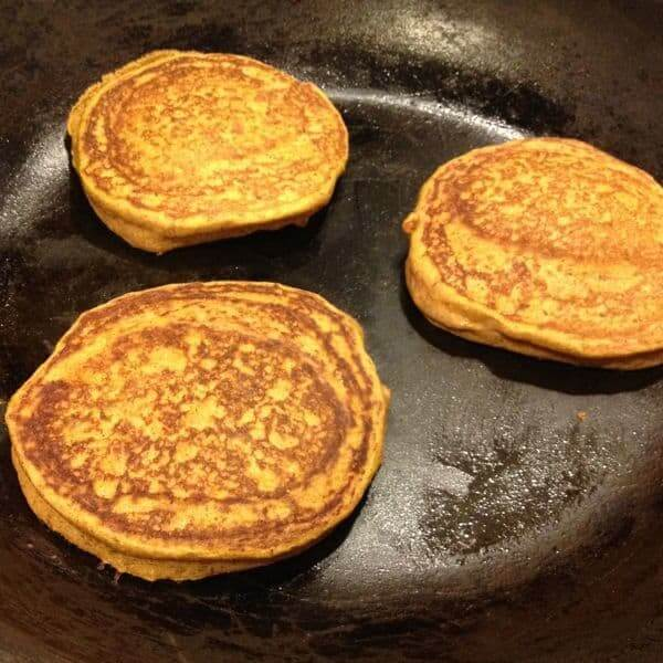 Cooking Pancakes - The Lemon Bowl