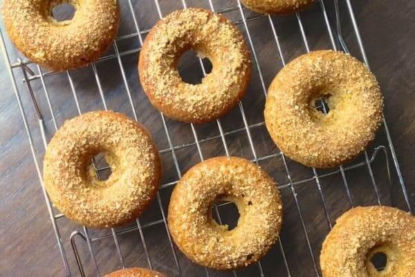 Apple Cider Baked Donuts - The Lemon Bowl