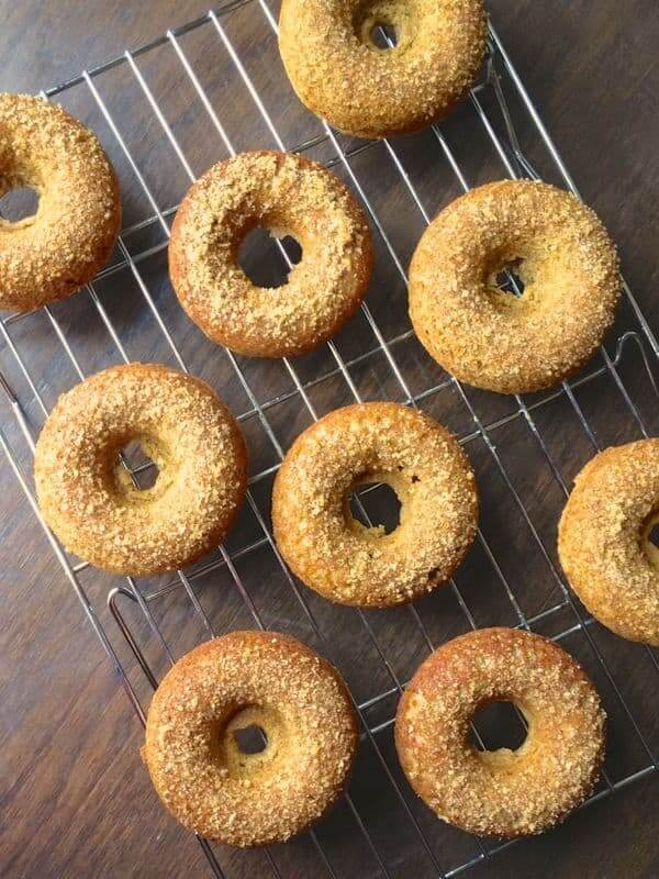 Baked Apple Cider Donuts with Brown Sugar Topping - The Lemon Bowl