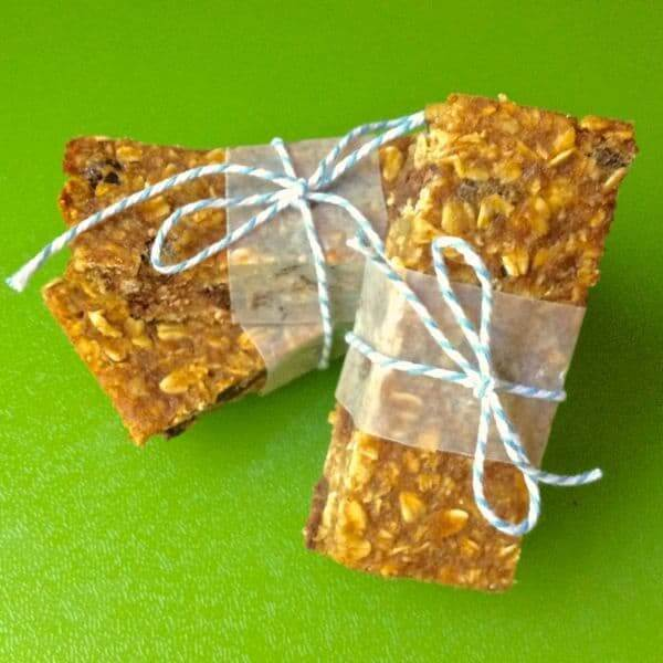 Pumpkin Chocolate Chip Granola Bars Main Image - The Lemon Bowl