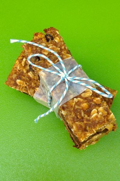 Pumpkin Chocolate Chip Granola Bars from The Lemon Bowl