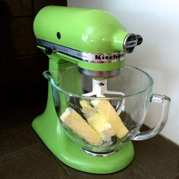 Stand mixer with butter - The Lemon Bowl