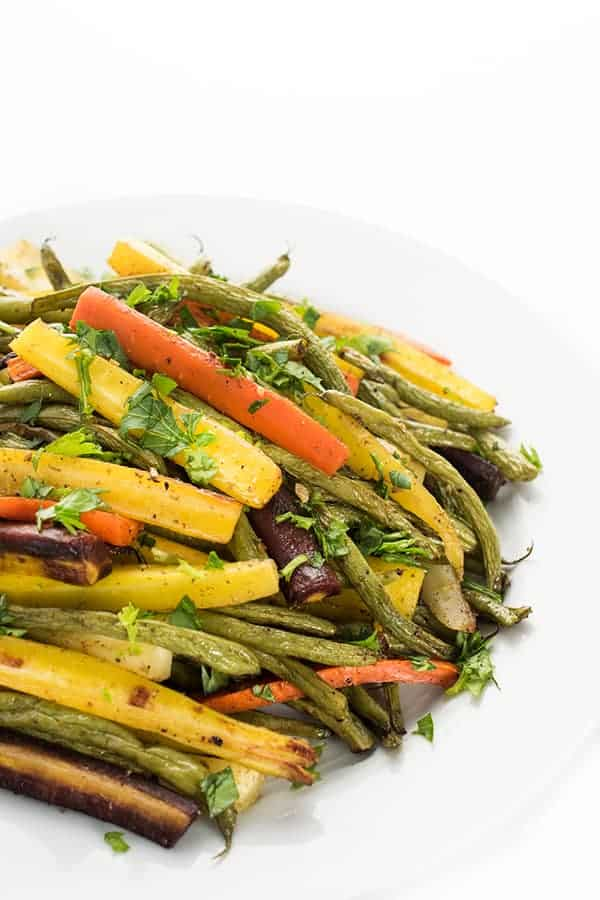 Za'atar Roasted Carrots and Green Beans Recipe