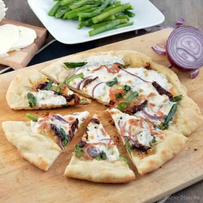 Sun-Dried-Tomato-and-Asparagus-Pizza1