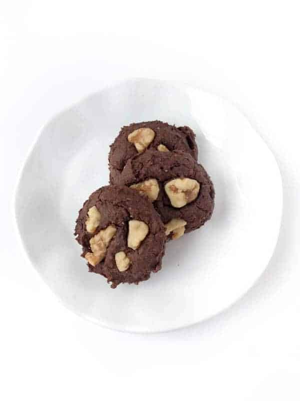 Vegan Chocolate Walnut Cookies - The Lemon Bowl