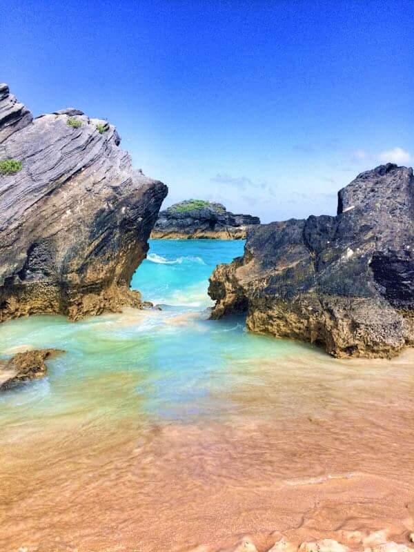 Horseshoe Bay Waves on Rocks - The Lemon Bowl
