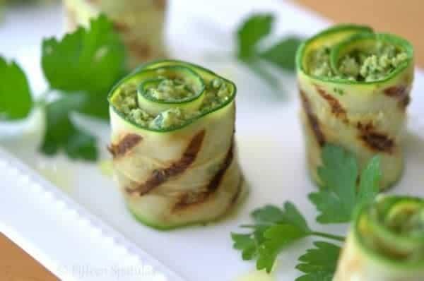 Grilled Artichoke Pesto Zucchini Bites - Fifteen Spatulas