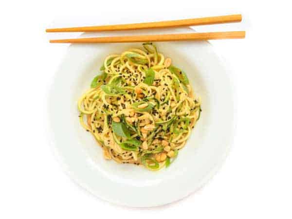 Cold Sesame Peanut Zucchini Noodles - The Lemon Bowl