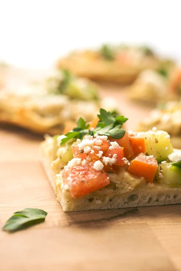 Hummus Flatbread Pizzas with Fattoush - an easy healthy appetizer recipe