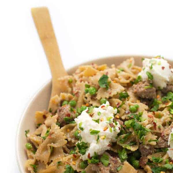 Pasta with Sausage, Peas and Ricotta - A fast and healthy one-pot pasta recipe