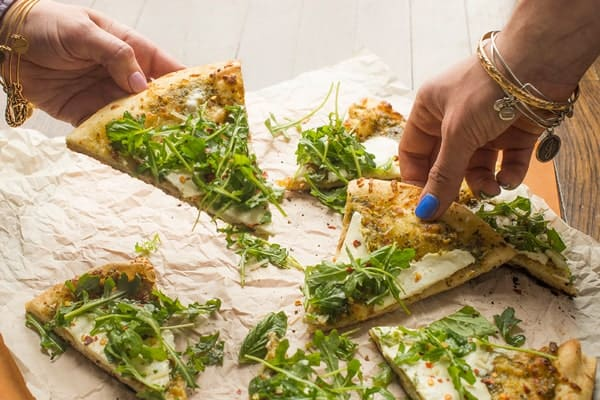 Grilled Pesto Pizza with Arugula and Mozzarella