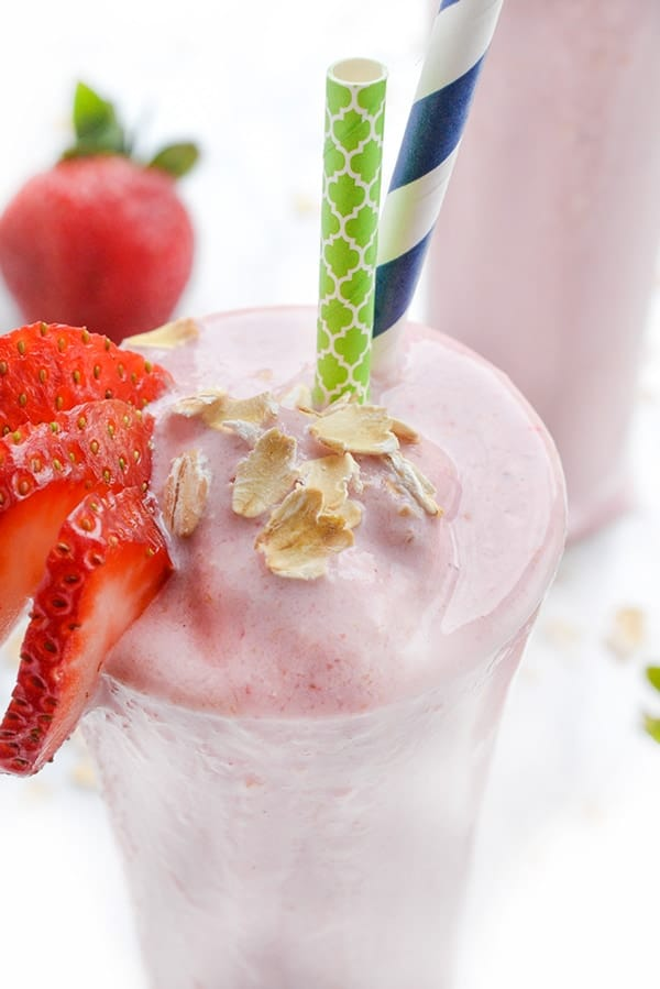 Strawberry Oatmeal Flax Smoothie - a fruity, protein-packed breakfast recipe