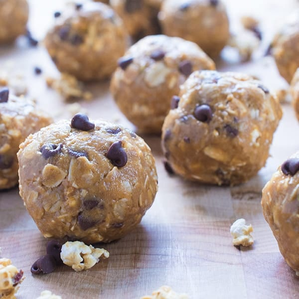 No Bake Peanut Butter Energy Balls - a healthy and easy snack recipe