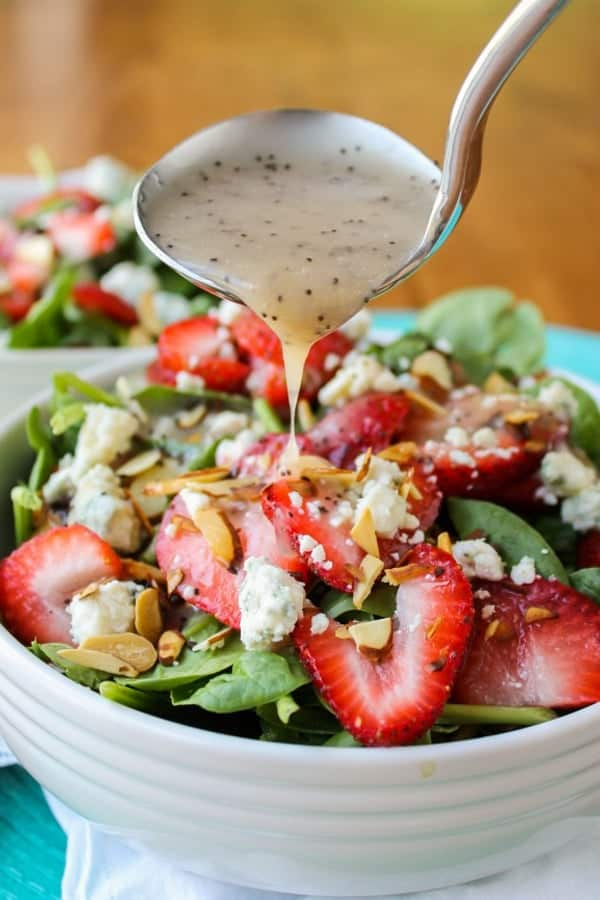 copycat-cafe-zupas-poppyseed-dressing-spinach-bleu-cheese-salad