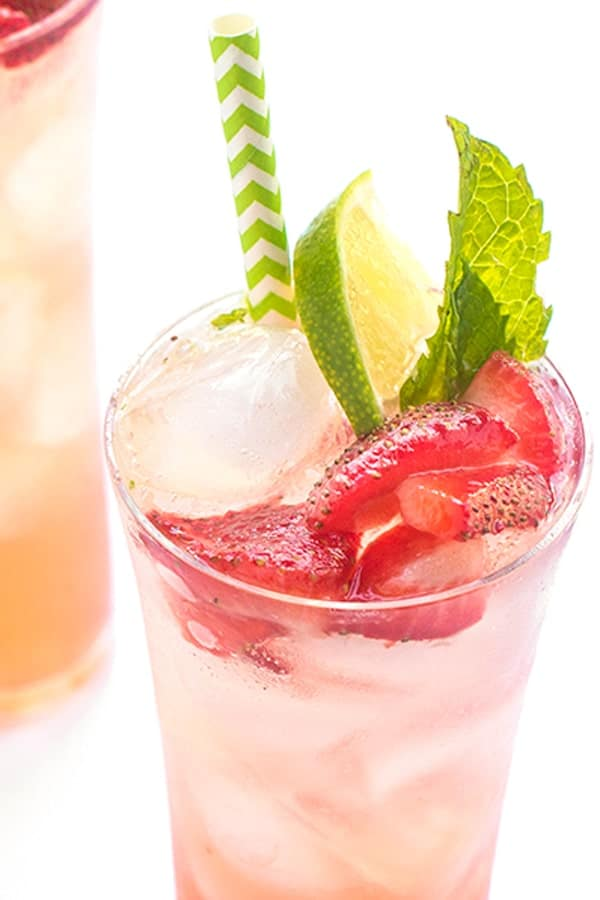 Strawberry Mojito -an easy cocktail recipe