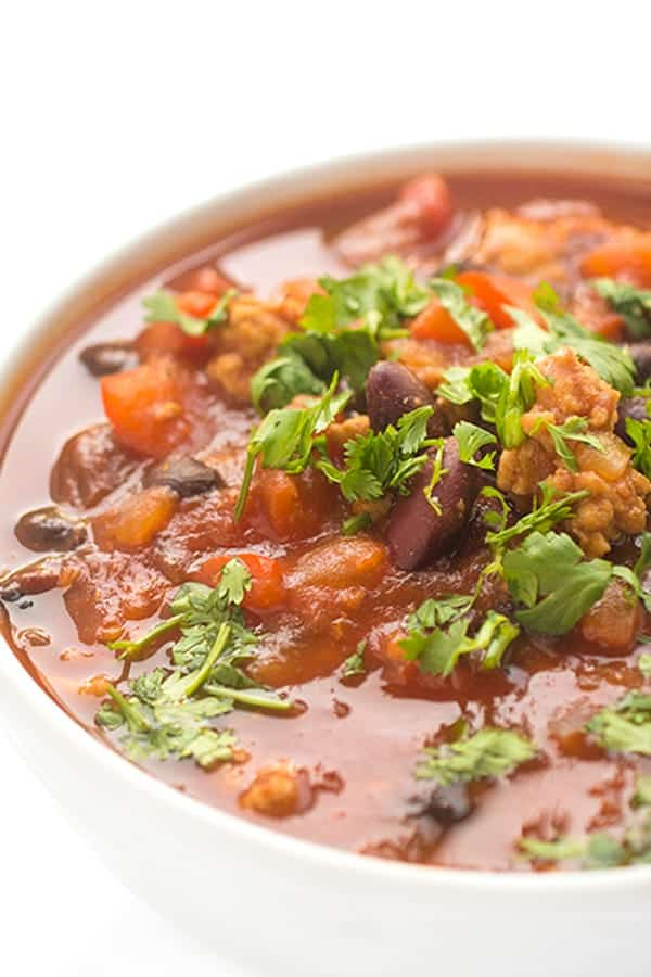 slow-cooker-turkey-chili-with-beans-a-fast-weeknight-dinner-recipe