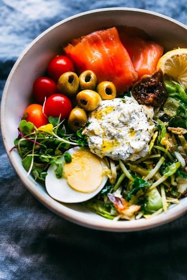 Salmon warm green salad