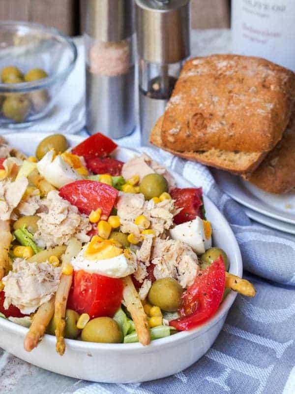 Spanish-Mixed-Salad-with-Tuna