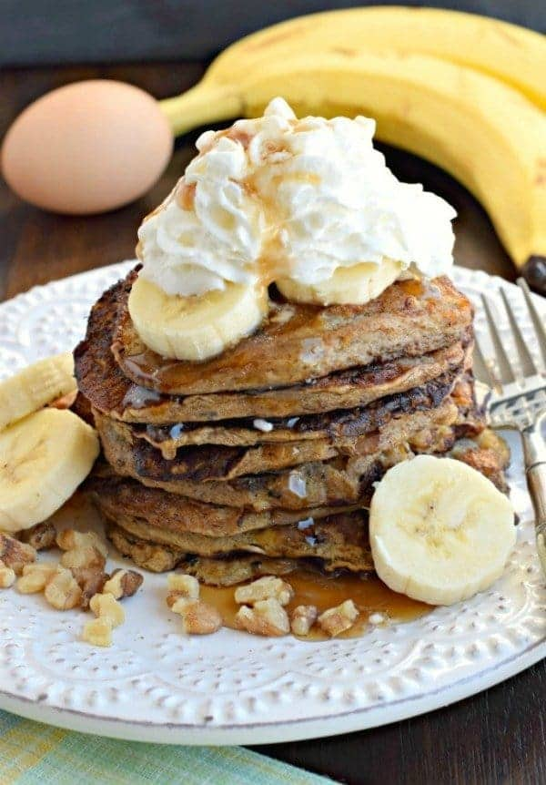 healthy-banana-pancakes-1-683x1024