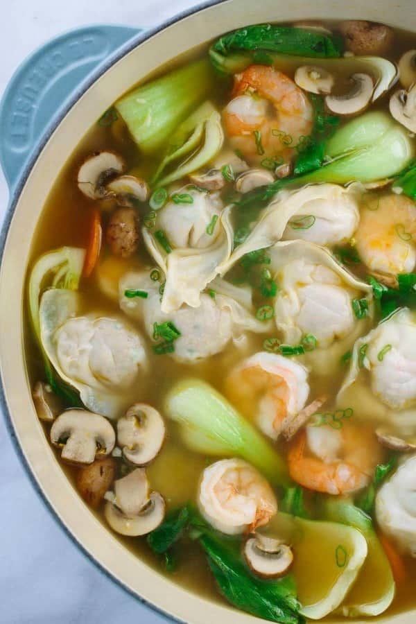 le-crueset-bowl-with-chinese-wonton-soup-with-shrimp-and-bok-choy