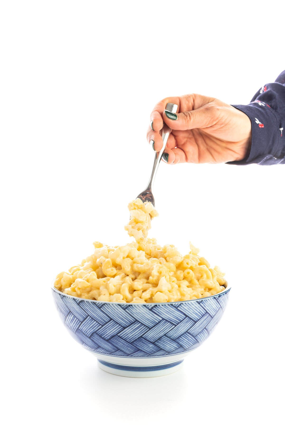 Healthy Stovetop Mac and Cheese with Caulifllower in a bowl