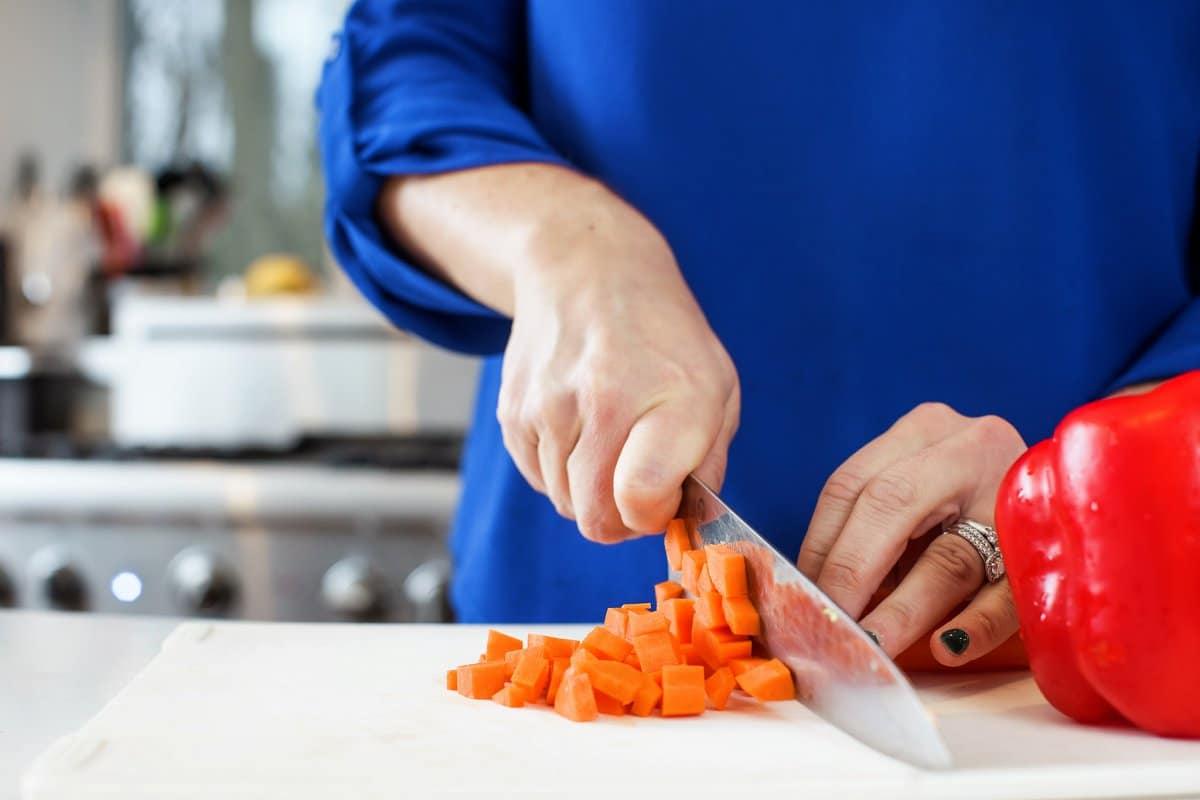 Liz chopping carrots