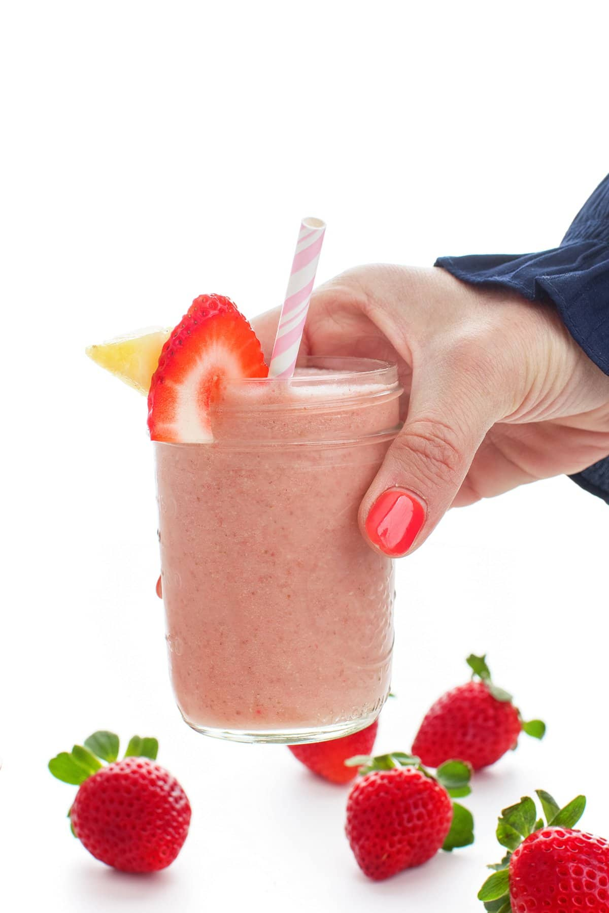 Strawberry pineapple smoothie with 5 ingredients or less.