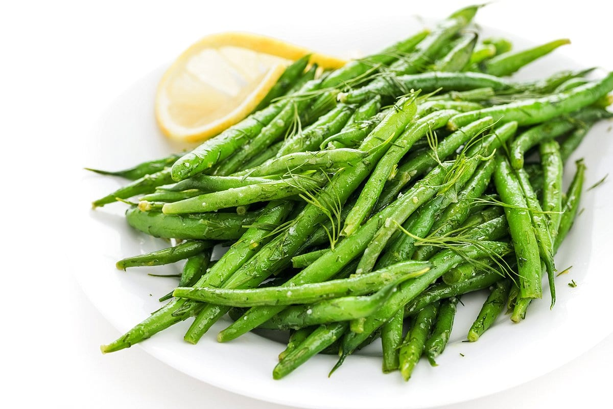 Plate of lemon dill green beans