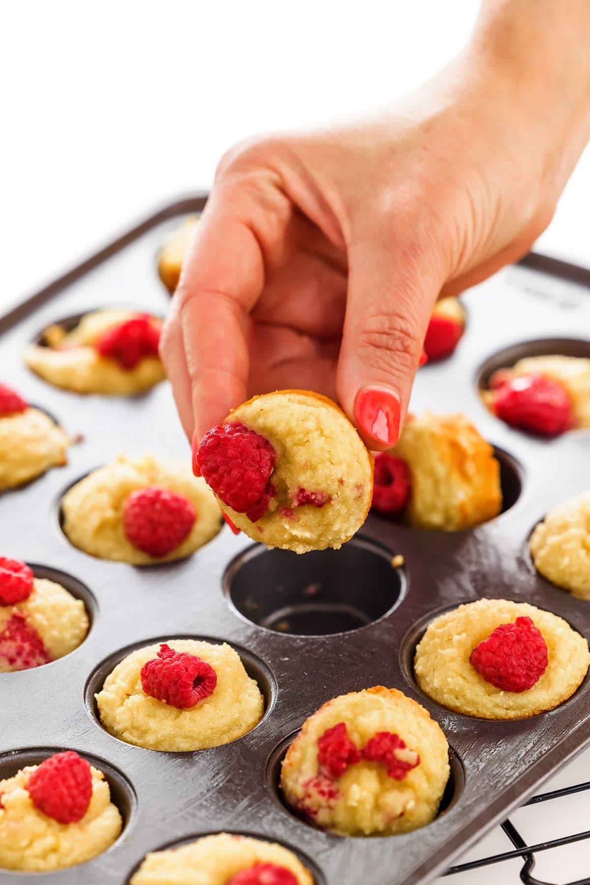 almond flour raspberry muffins